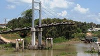 $114,000-plus bridge collapses merely 2 weeks after opening