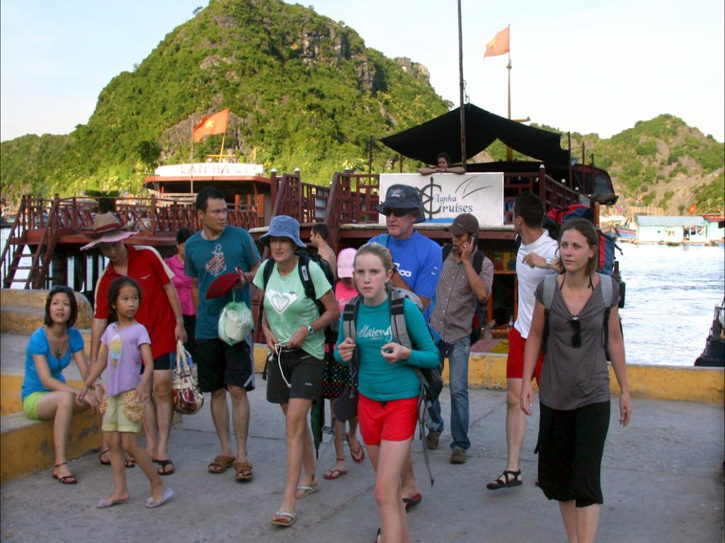 Vietnam behind in tourism workforce race in Southeast Asia, experts fear