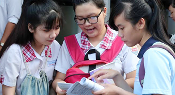 Educators lament as Vietnamese students score poorly in national English test