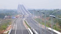 Vietnam seeks foreign investors to manage major expressways