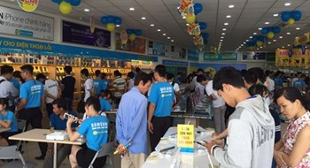 Vietnam's top mobile retailer to open food store chain: reports