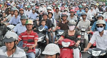 Vietnam mulls scrapping road use fee on motorbikes amid poor revenues