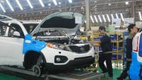 Japanese carmakers want more tax breaks from Vietnam as imports surge