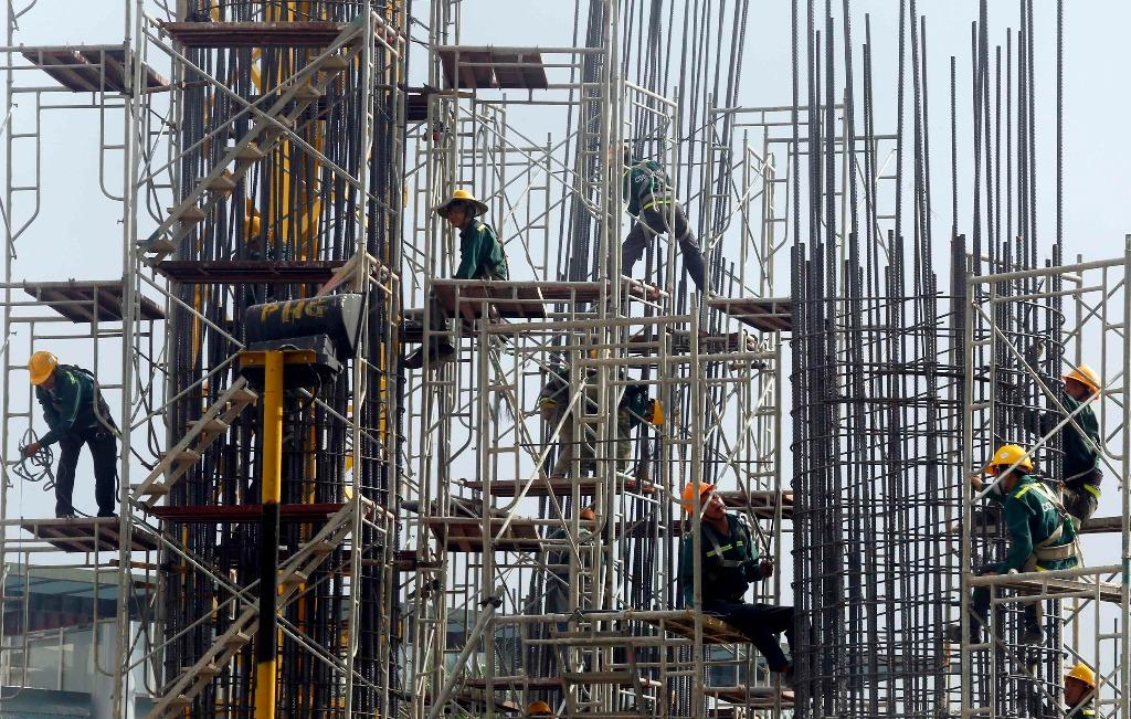 World Bank raises growth forecast for Vietnam to 6.2 pct, warns of rising debt