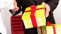 Nearly half of companies in Vietnam say they give gifts to officials: report