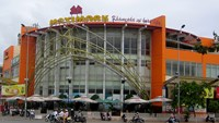 Real estate giant Vingroup acquires Vietnam's oldest supermarket chain