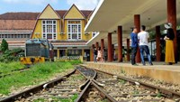 Vietnam to let private company operate Da Lat tourist rail line: report