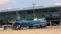 Vietnam's biggest airport to stop receiving new flights during rush hours
