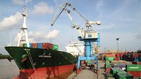 VietinBank acquires stake in Vietnam's second biggest port: report