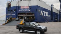 A file photo of a complete-built pickup imported into Vietnam through a seaport in Ho Chi Minh City. Photo: Diep Duc Minh