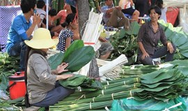 A Saigon leaf market that can only be seen once a year