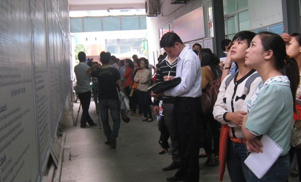 People look for opportunities at a job center in Hanoi. Photo: Thu Hang