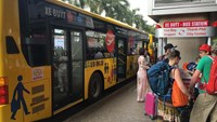 A file photo of an airport-downtown bus at Ho Chi Minh City's Tan Son Nhat Airport. Photo: Minh Nam/Thanh Nien