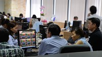 A file photo of investors at Ho Chi Minh City Stock Exchange. Photo: Diep Duc Minh