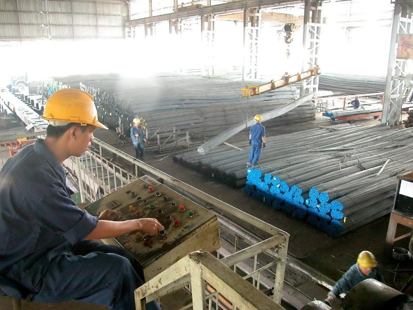 A file photo of a steel mill in Vietnam. More than 1.28 million tons of steel rods were imported into Vietnam last year, up 47 percent from 2014. Photo: Diep Duc Minh/Thanh Nien