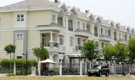 Vietnam lawmakers call for more riders on foreign home ownership
