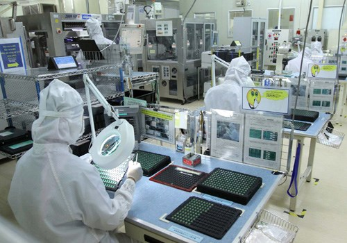 A Japanese firm produces electronic equipment in Ho Chi Minh City (Photo: VNA)