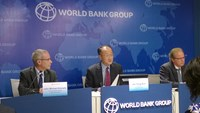 World Bank Group President Jim Yong Kim at a press briefing in Hanoi. Photo: Truong Son
