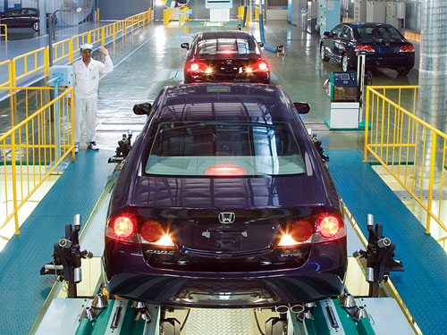 High taxes hinder growth of Vietnam's auto industry