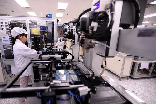 A worker in an assembly line at a Samsung Electronics factory in Vietnam. Vietnam ranks the 6th among top 10 of private sector capital destinations in the Asia Pacific region: PwC (File Photo)