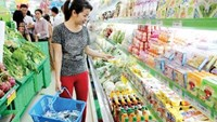 Vietnamese consumer confidence continues to see rapid improvements in the last quarter of 2014 that helped Vietnam become the 9th most optimistic country globally. File photo