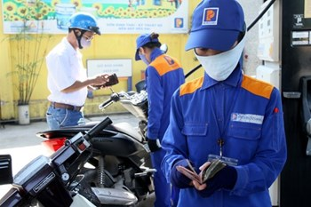 Now very few people know and use biogasoline in Vietnam. Photo: Ngoc Thang