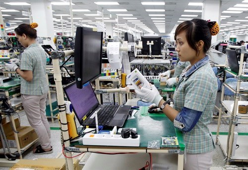 Workers at a Samsung Vietnam factory in Bac Ninh Province, which is one of a few multi-billion dollar projects coming into operation in Vietnam. File photo
