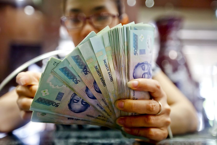 More than half of Vietnamese dissatisfied with their salary: survey
