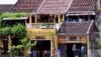 Tourists beef about Vietnam ancient town's entry ticket, authorities justify it