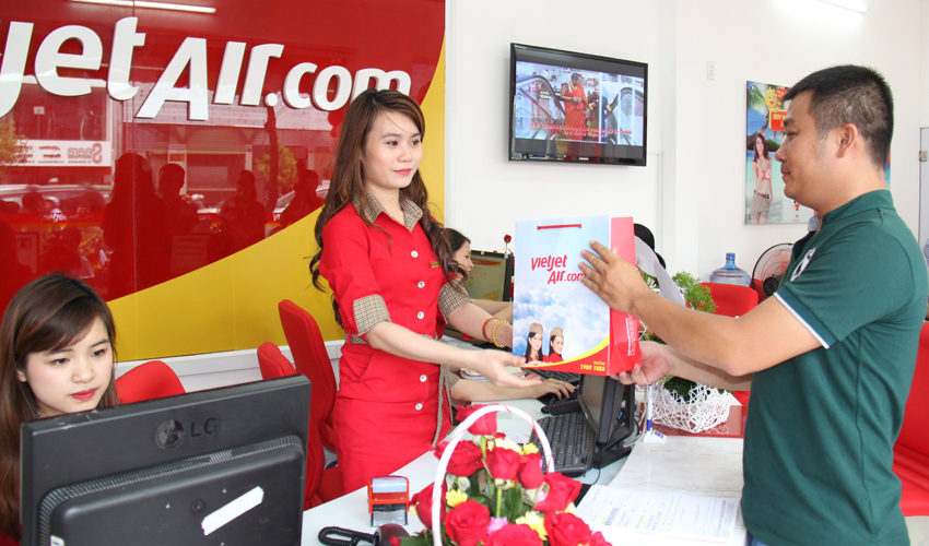 Vietnam private airline opens new ticket outlet with 50 pct off