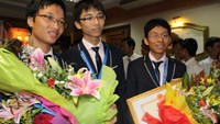 Vietnamese students win 3 golds at int'l math conference