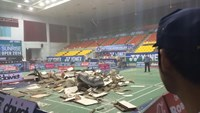 A cloud of debris at the Phan Dinh Phung Stadium following the ceiling collapse. Photo: Gia Man