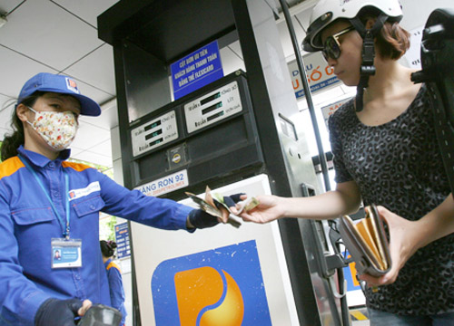 Vietnam gas prices down further on global falls