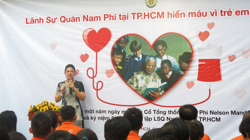 Do Thi Kim Lien, the Honorary Consul of South Africa in Ho CHi Minh City, speaks at the launch of a blood donation campaign on December 6, 2014. Photo credit: South African Honorary Consulate in HCMC