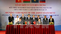 Vietnam and the Customs Union of Russia, Belarus and Kazakhstan sign a joint statement on the conclusion of negotiations on their free trade agreement in Kien Giang province on December 15, 2014. Photo credit: VNA