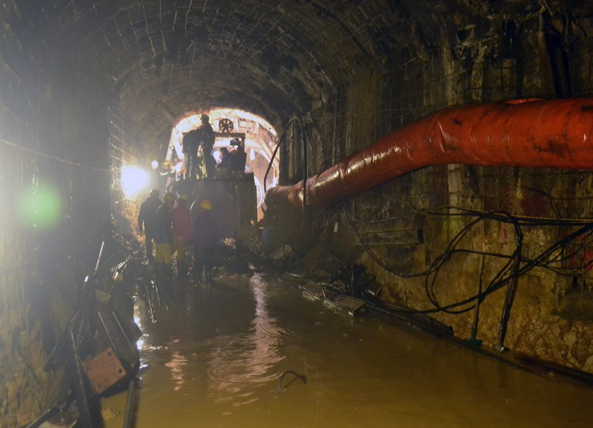 Minister of Construction Trinh Dinh Dung has sought government permission to investigate the cause of the tunnel collapse, which gripped the country. Photo: Lam Vien