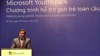 César Cernuda, President of Microsoft Asia Pacific, speaks at a meeting to announce the YouthSpark program in Hanoi on March 24, 2015. Photo credit: Microsoft