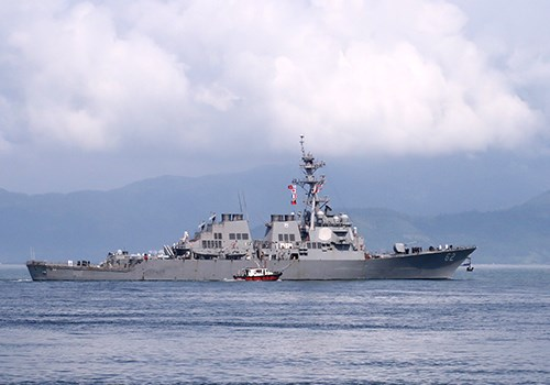 US Navy ships wrapped up a five-day exchange visit to Vietnam on April 10, 2015. Photo credit: VnExpress