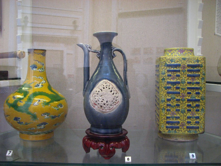 From left to right: a ceramic vase made in Vietnam in the early 20th century, a ceramic ewer made in Vietnam in the 15th century, and a ceramic vase made in China in the 19th century. Photos: Thao Vi