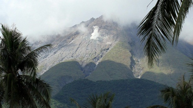 The government says it continues to monitor the behavior of Mount Bulusan. Photo: AFP