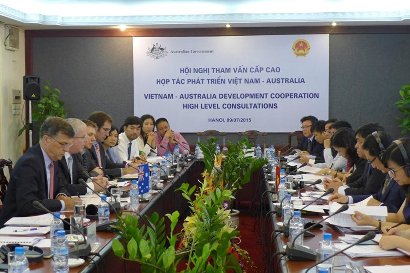 Officials attend the Australia-Vietnam High-Level Consultations on Development Cooperation in Hanoi on July 9, 2015. Photo credit: Australia Embassy