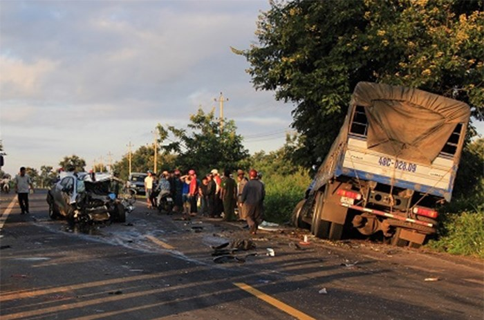 The site of a car-truck collision that killed two traffic police officers in the Central Highlands province of Dak Nong. Photo: Ngoc Anh