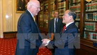 Vietnam's NA Chairman Nguyen Sinh Hung (R) meets with US Senator Patrick Leahy. Photo credit: Vietnam News Agency