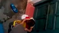 2 Vietnamese teachers suspended for locking toddler out, letting him eat trash