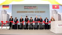 Vietnam's Minister of Industry and Trade Vu Huy Hoang (C) and German officials at a groundbreaking ceremony for the German House on October 24, 2015. Photo credit: Vietnam News Agency