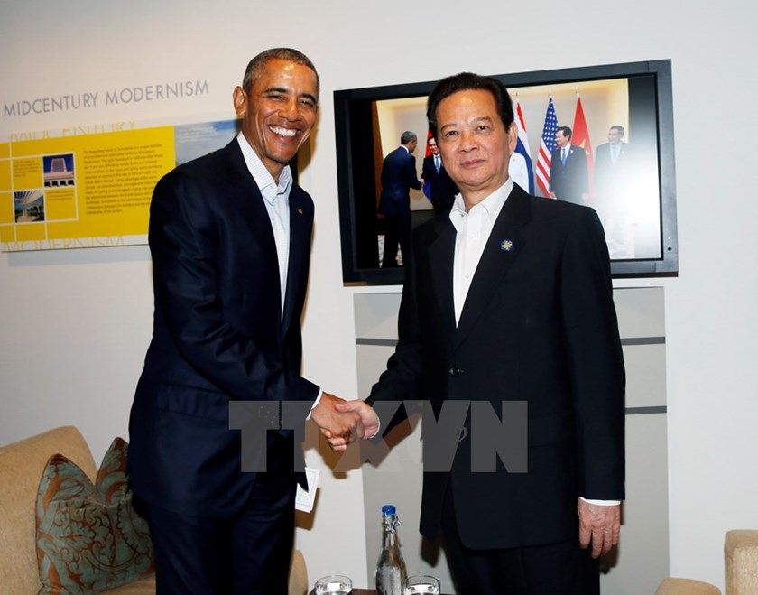 Vietnam's Prime Minister Nguyen Tan Dung shakes hands with US President Barack Obama at a bilateral meeting on the sidelines of the US-ASEAN Leaders Summit in California on February 15, 2016. Photo: Duc Tam/VNA