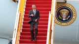 Obama touches down in Ho Chi Minh City, visits century-old pagoda