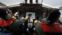 Malaysia to step up efforts to find plane as leads fail