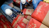 Holcim in talks with Lafarge about cement-maker merger