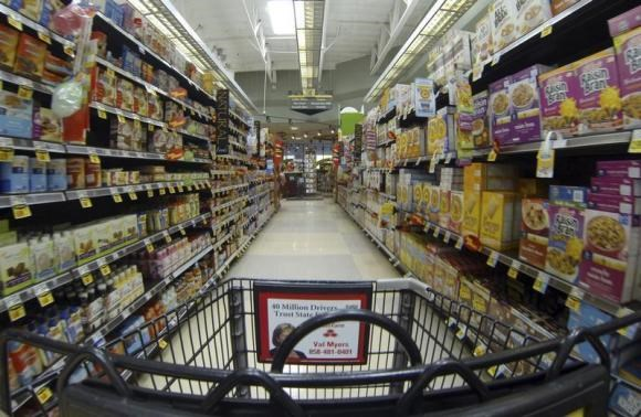 Frugal U.S. consumers make it tough for food companies to raise prices